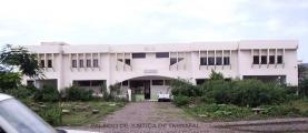 <h5>Palácio de Justiça de Tarrafal</h5><p>Esse edifício foi considerado como o melhor Palácio de Justiça na época em que foi construído pelo presidente do supremo tribunal, Dr. Óscar Monteiro</p>