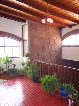 <h5>Moradia do Dr. José Martins</h5><p>Imagens interiores no segundo piso.</p>
