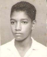 <h5>Pedro aos 14 anos</h5><p>Aos 14 anos, estudante do Liceu na cidade da Praia.</p>
