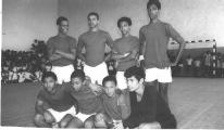 <h5>Seleção de Andebol do Liceu 1967</h5><p>Foto feita no ginásio do Liceu da Praia -Plateau.</p>