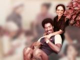 <h5>Elisa Castelo Branco dos Reis Borges Martins</h5><p>Pedro com sua mãe Elisa no jardim da casa dos pais em Assomada em 1982. Momentos inesquecíveis.</p>