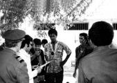 <h5>Cerimónia Oficial de Libertação dos Presos Políticos de Cabo Verde no CCT</h5><p>Às 14:00 do dia 1 de Maio de 1974, o Procurador da República Colonial acompanhado do mais alto oficial da tropa colonial na ilha de Santiago, na cerimónia oficial de   Libertação dos Presos Políticos de Cabo Verde, no CCT. O director de comunicaçãocolonial gravava a cerimónia.  </p>