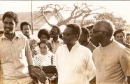 <h5>Agostinho Neto e Aristides Pereira</h5><p>Os Presidentes Agostinho Neto e Aristides Pereira acompanhados de Pedro Martins na visita ao C.C. de Tarrafal em 1976.</p>