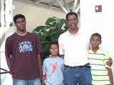 <h5>Pedro com os filhos Kunta, Iany e Rayton</h5>