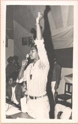 <h5>1º Comício pós 25 de Abril, em 3-5-1974</h5><p>Pedro Martins, denunciando o colonialismo e seus instrumentos como PIDE, o Campo de Concentração de Tarrafal e a Administração Colonial e exortando o Povo Caboverdiano a lutar para a sua Independência.</p>