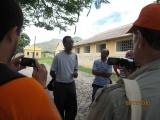 <p>Pedro Martins e visitantes académicos do Brasil no Campo de Concentração do Tarrafal, acompanhados do Dr. José Carlos</p>